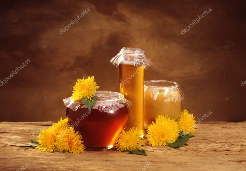 still life with honey and dandelions — Stock fotografie #2510544