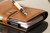 Agenda and Fountain pen — Stock Photo