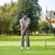 Friend playing golf in golf — Stockfoto