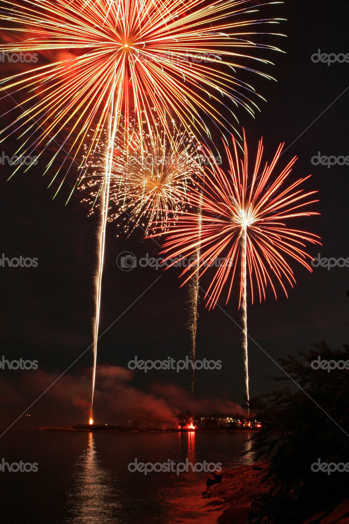 Fireworks Display over Long Island Sound — Foto Stock #2484053