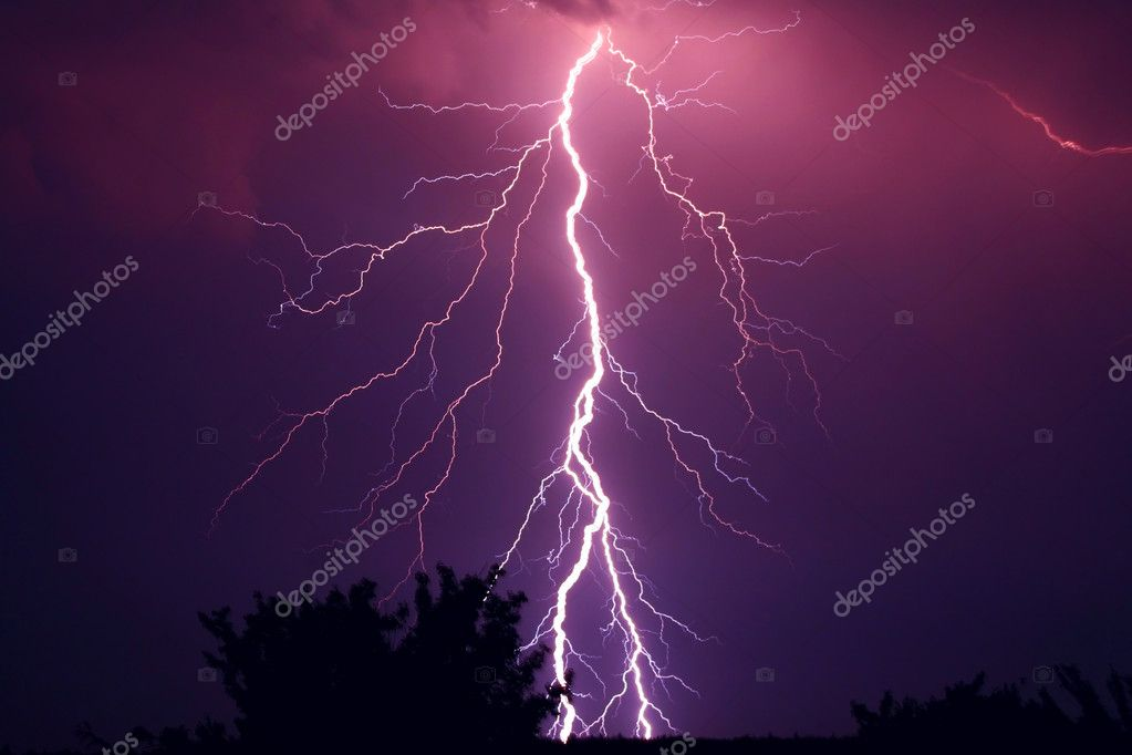 Lightning in the night — Stock Photo #2470903