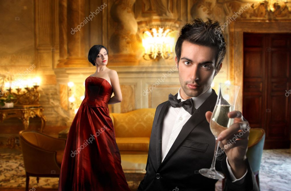 Elegant couple in a luxury hotel — Stock Photo #2539213