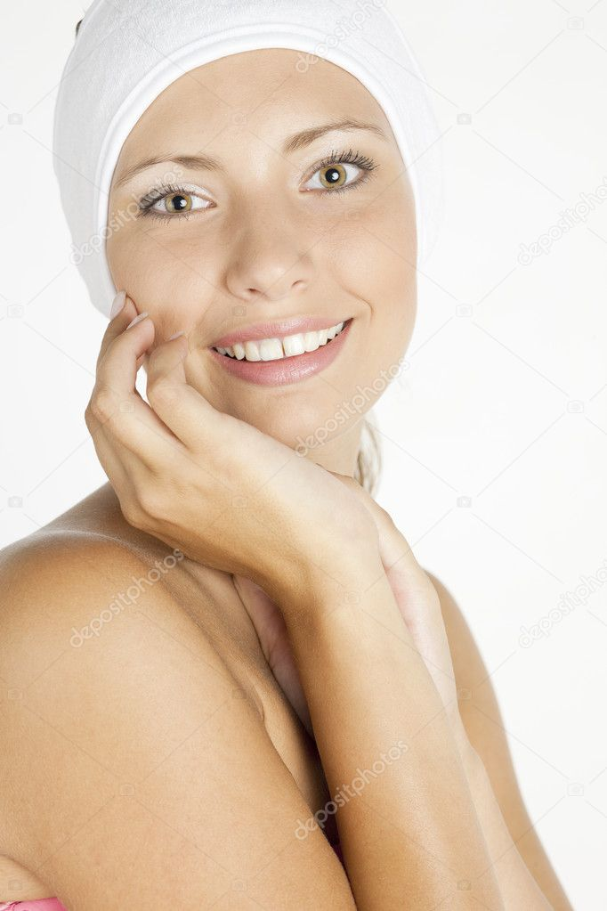 Portrait of young woman wearing head dress — Stock Photo #2552672