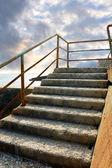 Passos em frente mar negligenciada — Foto Stock