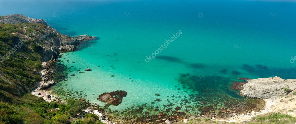 Sea lagoon with beautiful turquoise water. Horizontal panorama, top view. — Stock Photo #2607398