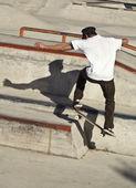 Jumping skateboarder — Stock Photo