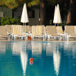 Swimming pool in hotel resort — Stockfoto