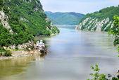 Danube canyon between Serbia and Romania — Stock Photo
