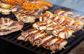 Meat on grill — Stockfoto