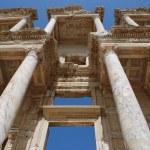 Facade of ancient Celsius Library in Ephesus, Turkey — Stock Photo #2609119
