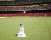 Meisje in stadion — Stockfoto
