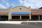 Nieuwe commerciële winkel front — Stockfoto