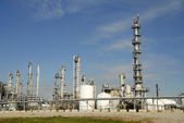 нефтеперерабатывающий завод — Стоковое фото
