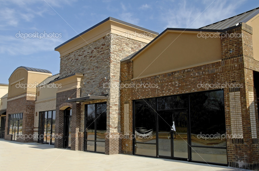 A New Modern Commercial Building for Sale or Lease — Stock Photo #2653610
