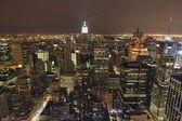 在晚上的纽约城全景 — 图库照片