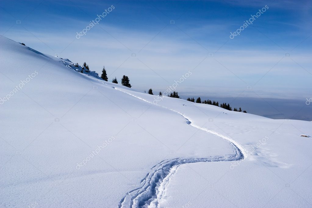 Footpath in winter mountains — Stock Photo #2642744