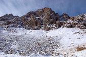 高山の冬岩 — ストック写真