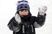 Kind en sneeuw — Stockfoto