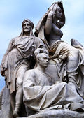 Statues du prince albert memorial — Photo