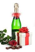 Champagne y rosa roja — Foto de Stock