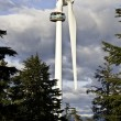Huge wind turbine on grouse mountain — Stock Photo