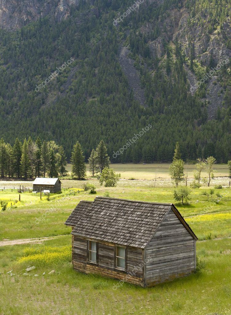 Rustic Cabin In Rural Setting Stock Photo Mrpants 2662101