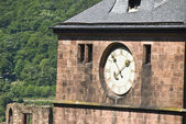 CLOCK FACE ON CASTLE EXTERIOR — Foto Stock