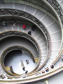 Rzym, spiralne schody w muzeum watykańskie — Zdjęcie stockowe