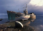 Fishing boats on the shore — Stock Photo