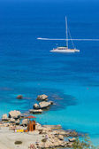 Catamaran at coastline — Stock Photo