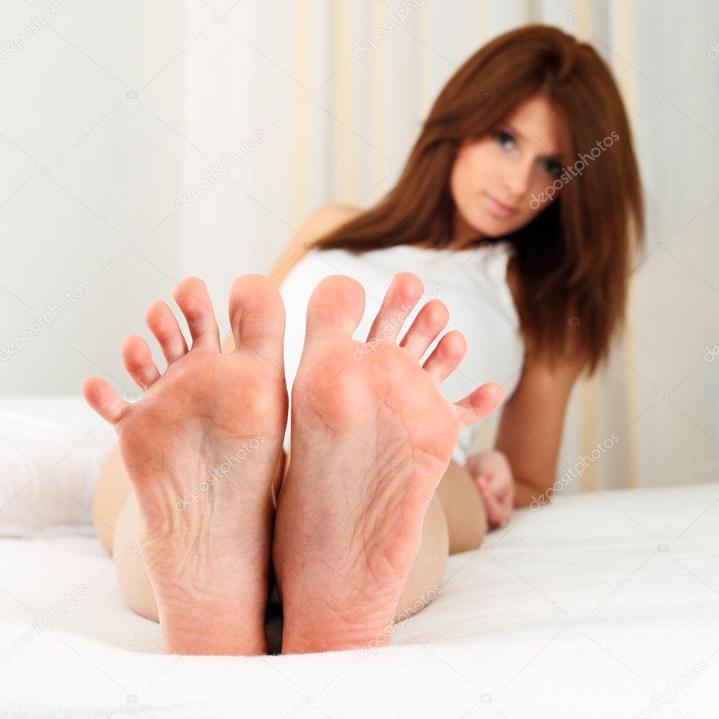 Привлекательные feet women 2 фотография