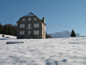 Dům kamenů v horských