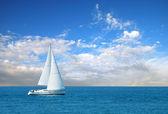 Moderne Segelboot