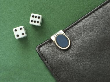Playing dice and a purse