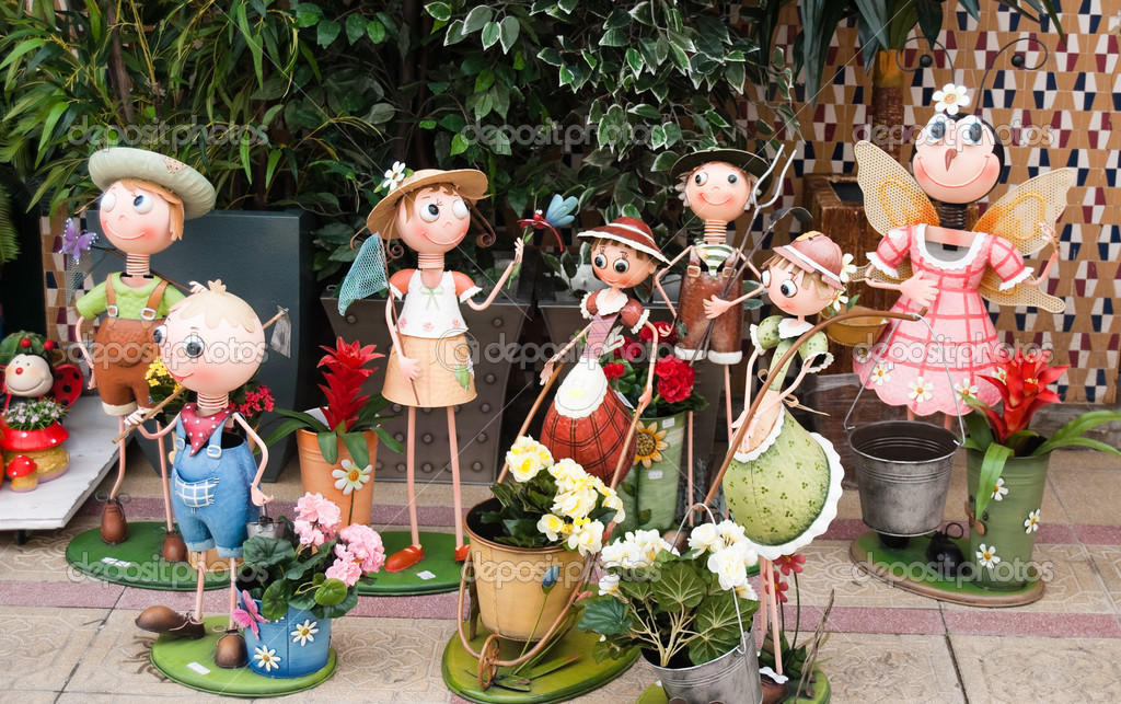 Lustigen Figuren Für Garten Stockfoto Elenapavlova 1025571