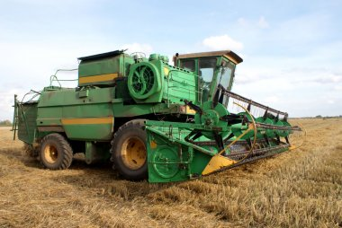 Combine the grain field