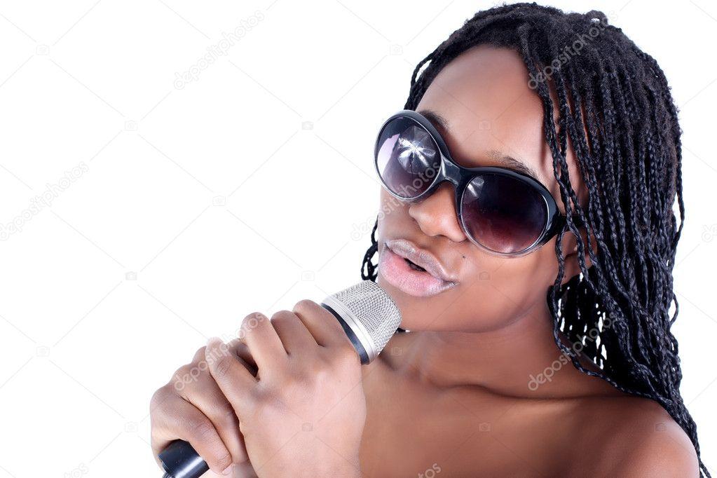 若いアフリカ系アメリカ人歌手 — ストック写真