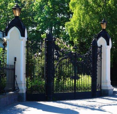 Closed Old Gates