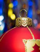 červený míč Vánoc