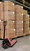 Catron krabice a paletový vozík v warehou