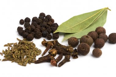 Bay leafs, cloves, caraway and black pep