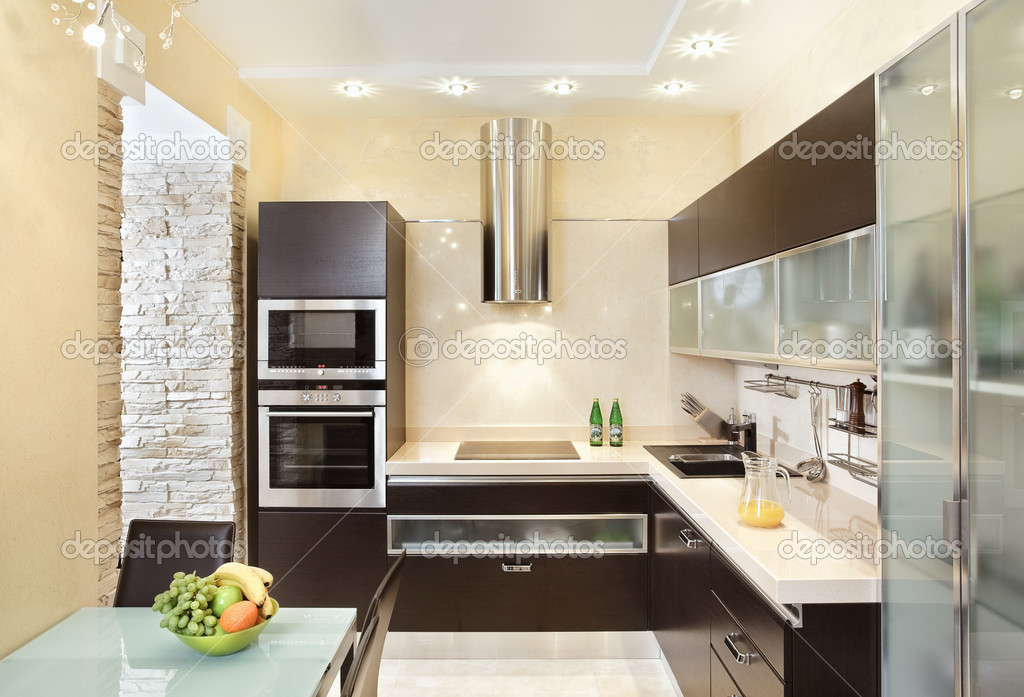 Moderne Warme Keuken : Moderne keuken interieur in warme tinten u2014 stockfoto © mrhamster
