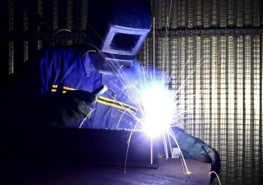 Fine image of welder of work 01