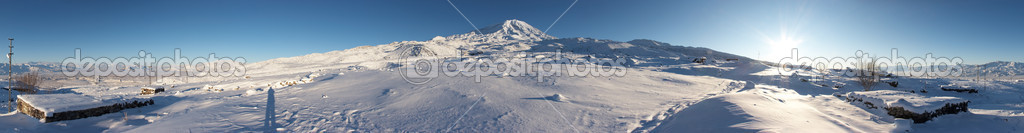 Circular 360-degree panorama of Mount Ar