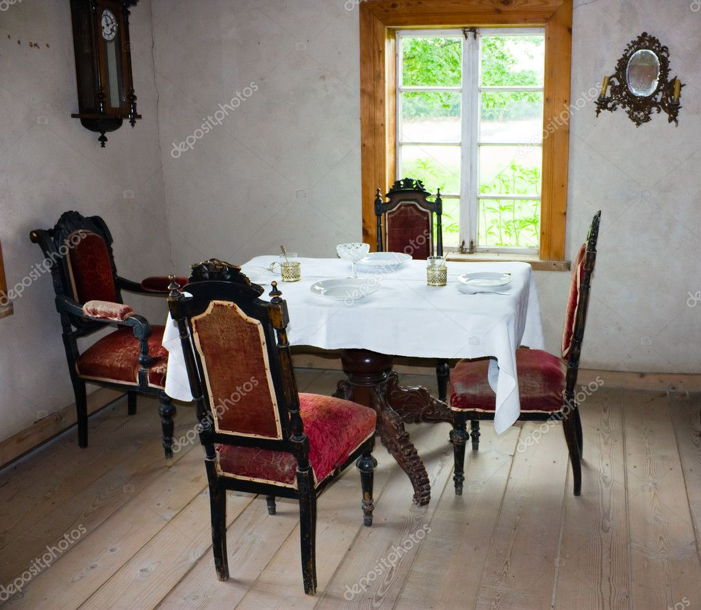 interni delle vecchie case di villaggio foto stock