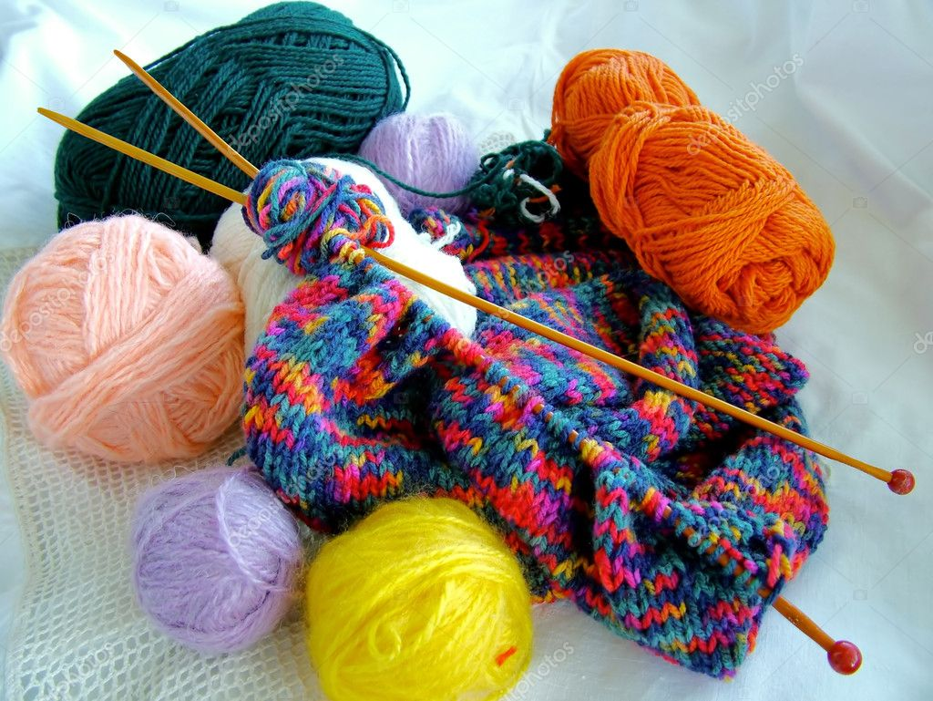 knitting wool and needles � stock photo 169 raimundas 1257580