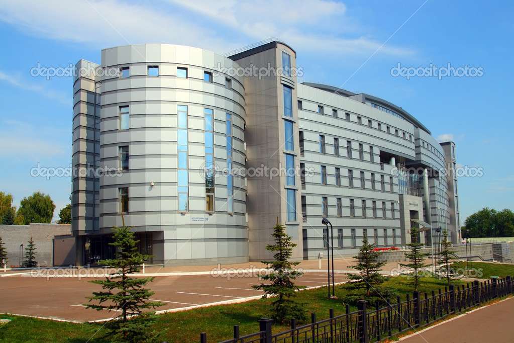 Immeuble de bureaux moderne u photographie kokhanchikov