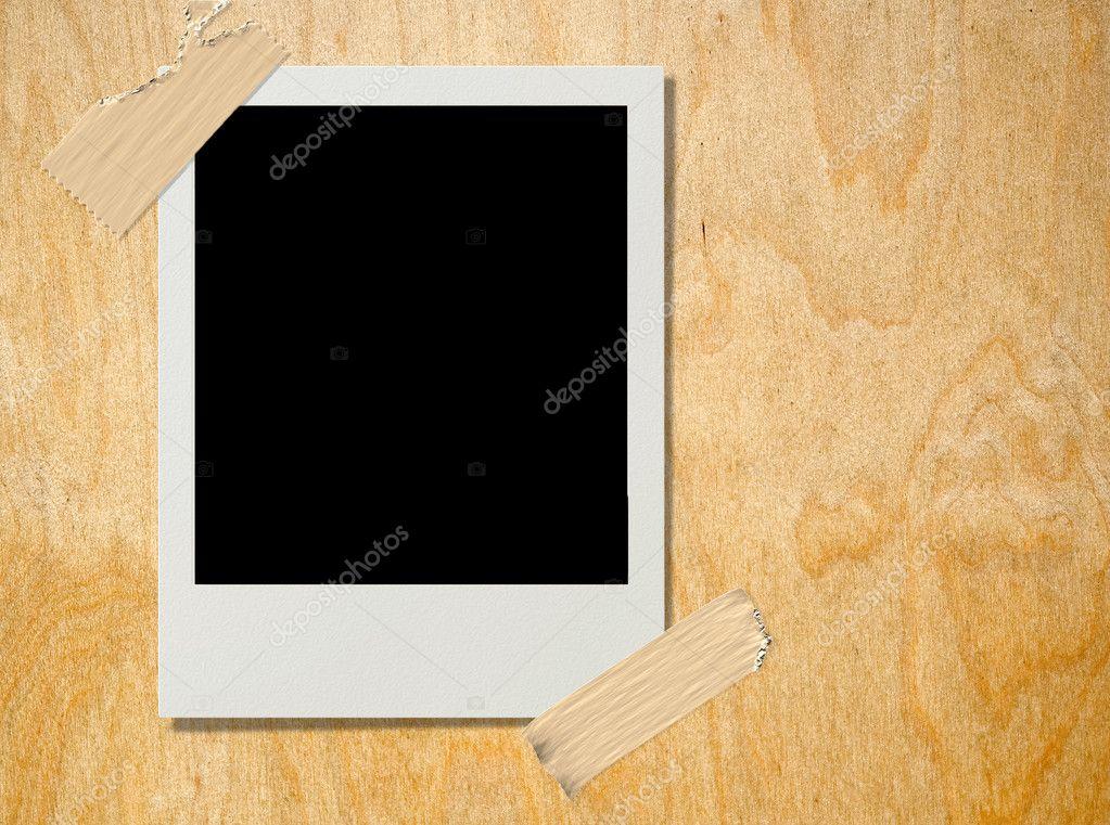 Polaroid en madera contrachapada — Foto de stock © Paulpaladin #1112683