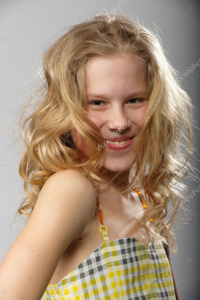 Kleine Blondine