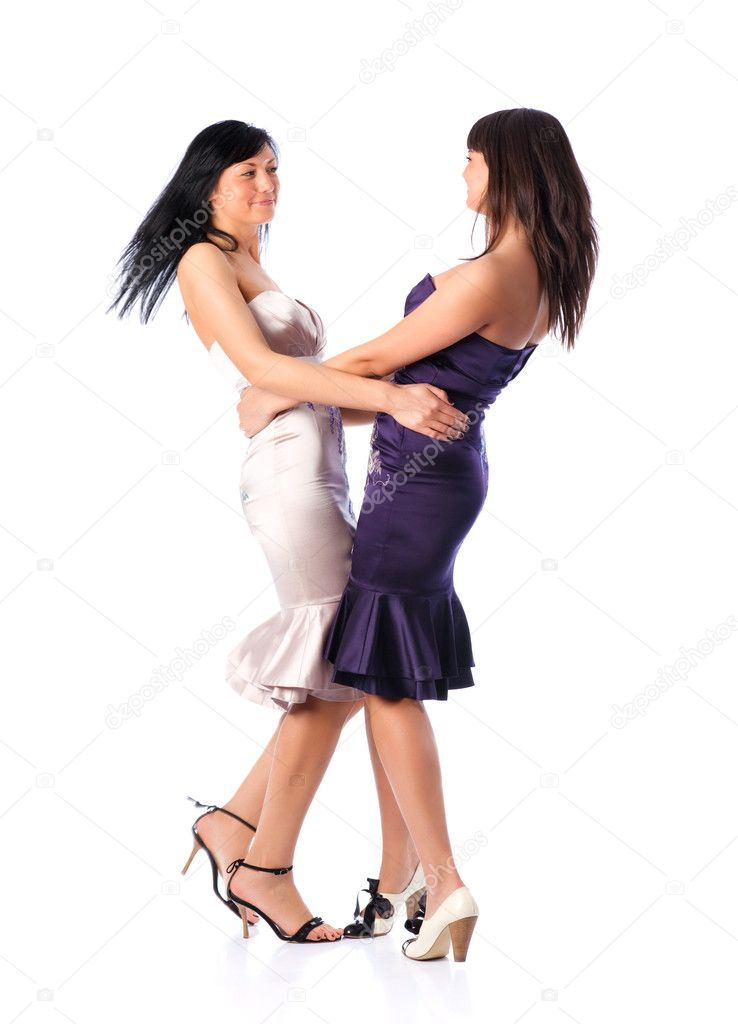 bosonozhkah-lesbiyanyat-v-tantse-vizovu